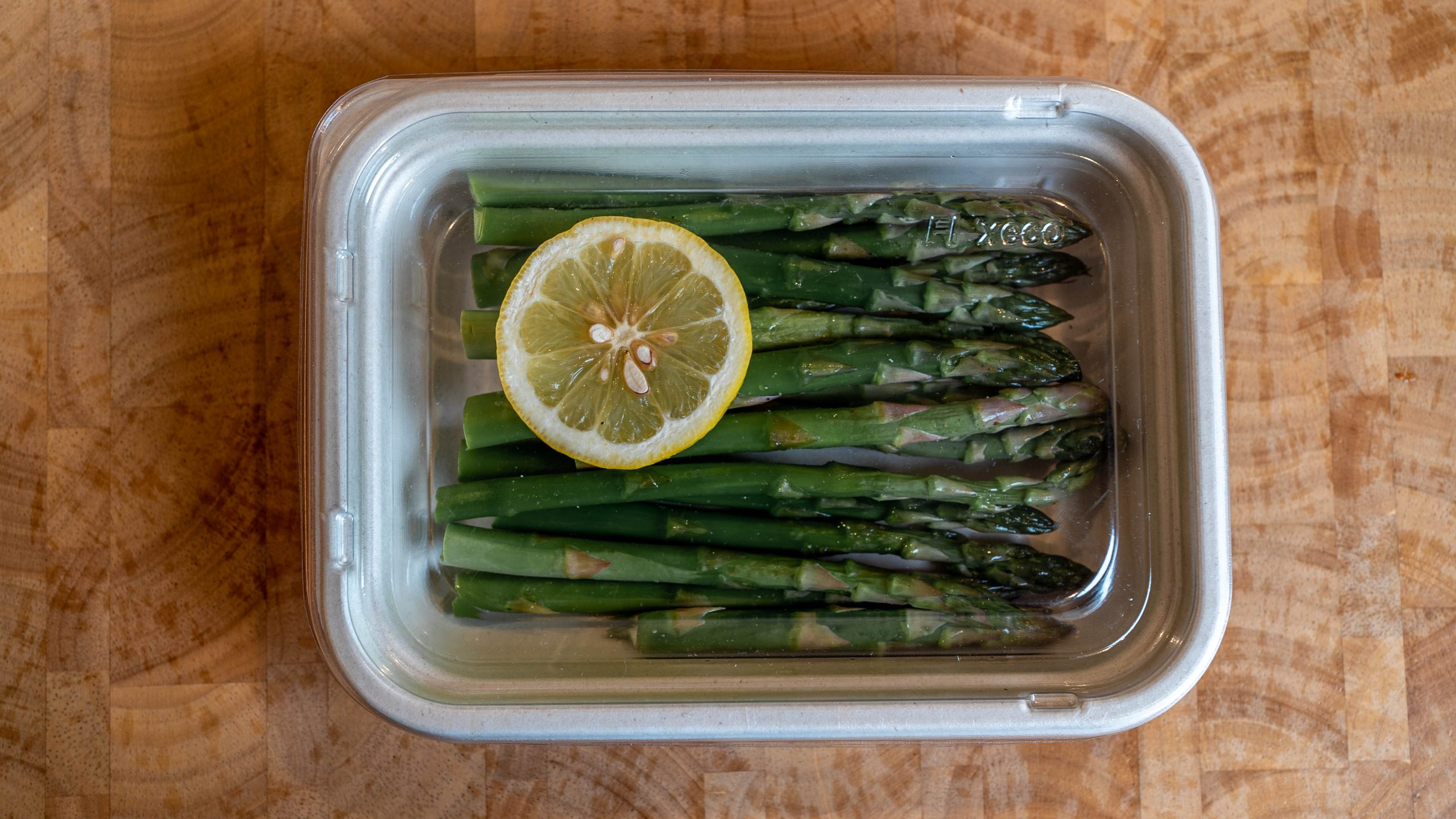 grab and go with asparagus and lid